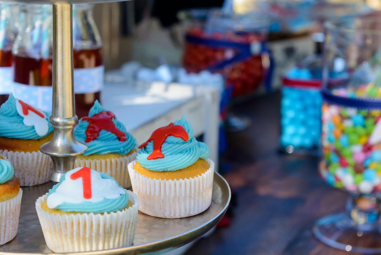 thematika party aeroporos aeroplana cup cakes